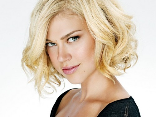 ARIANNE PALICKI has been chosen as NBC's WONDER WOMAN - TOMORROW'S NEWS - The Latest Entertainment News Today!
