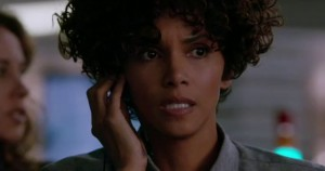 HALLE BERRY in THE CALL - MOVIE REVIEW - TOMORROW'S NEWS - The Latest Entertainment News Today!