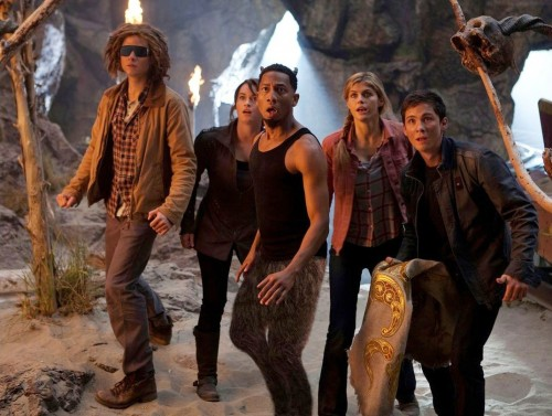 PERCY JACKSON SEA ON MONSTERS - Film Review! TOMORROW'S NEWS - The Latest Entertainment News Today!