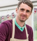 Find the Latest TV Reviews 2015 - COUTRY STRIFE, GREAT BRITISH BAKE OFF, MUSLIM DRAG QUEENS, FRIED