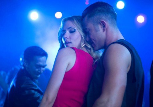 Scarlett Johansson and Joseph Gordon-Levitt in DON JON - Movie Review! TOMORROW'S NEWS - The Latest Entertainment News Today!