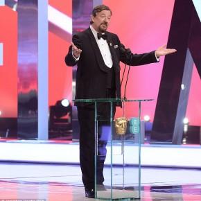 AWARDS NEWS: Stephen Fry Presenting The 2014 BAFTA Awards - Entertainment News