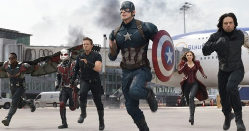 Find the Latest Film Reviews 2016 - CAPTAIN AMERICA CIVIL WAR - Fight